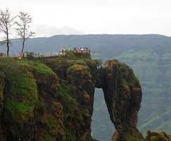 Honeymoon In Mahabaleshwar