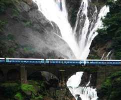 Mahabaleshwar Honeymoon Trip